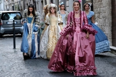 abiti vestiti costumi storici teatro (2)