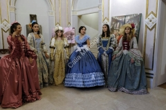 abiti vestiti costumi storici teatro (7)