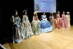 abiti vestiti costumi storici teatro (1)